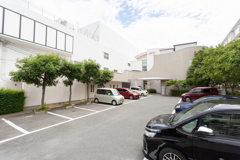 長岡天神駅徒歩5分、駐車場15台完備